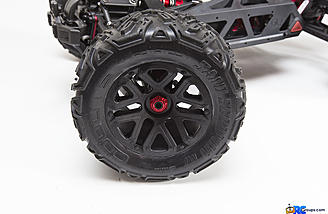 The Nero gets traction from dBoots Sand Scorpion MT tires, which are factory glued to the MT wheels.