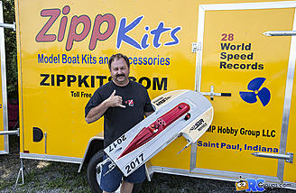 Joe Petro of Zippkits showing off the new Thunderboat prototype