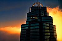 Name: queen_bldg.jpg