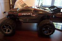Name: Traxxas Revo Brushless 003.jpg Views: 68 Size: 59.1 KB Description: Side shot