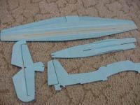 Name: jcuz_tbf36_03.jpg Views: 2121 Size: 55.0 KB Description: tbf 36- 1st steps...setup crutch, hinges, bamboo skewer spar