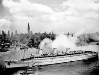 Name: Queenmary-ship.jpg