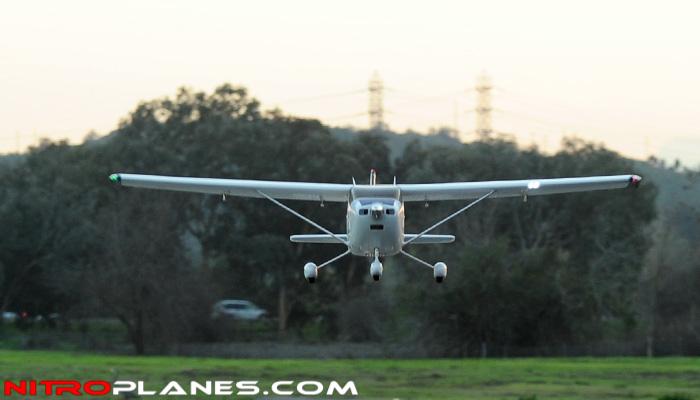 Name: 93A300-1400-SkyTrainer182-Blue-RTF-24G-Fly-09.jpg Views: 350 Size: 133.8 KB Description: