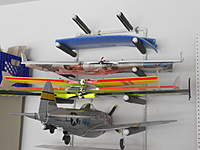 Name: DSCN0329.jpg Views: 153 Size: 51.6 KB Description: Wing rack
