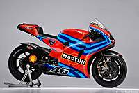 Name: 2011_Ducati_Martini__MotoGP-_Valentino_Rossi.jpg