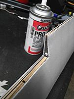 Name: IMG_20170819_180839.jpg Views: 28 Size: 261.9 KB Description: Glue the plastic hardpoint with the hole into the laser cut hole in the outer edge of the foam/balsa rib as shown here. Then glue a piece of .75mm carbon rod with some extra length, into the hole.