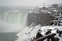 Name: niagarafall01.jpg Views: 98 Size: 64.3 KB Description: Rained + Snow + Wind