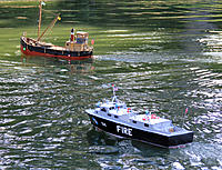 Name: fireboat-puffer_IMG_0188.jpg Views: 92 Size: 229.7 KB Description: Puffer and Fireboat