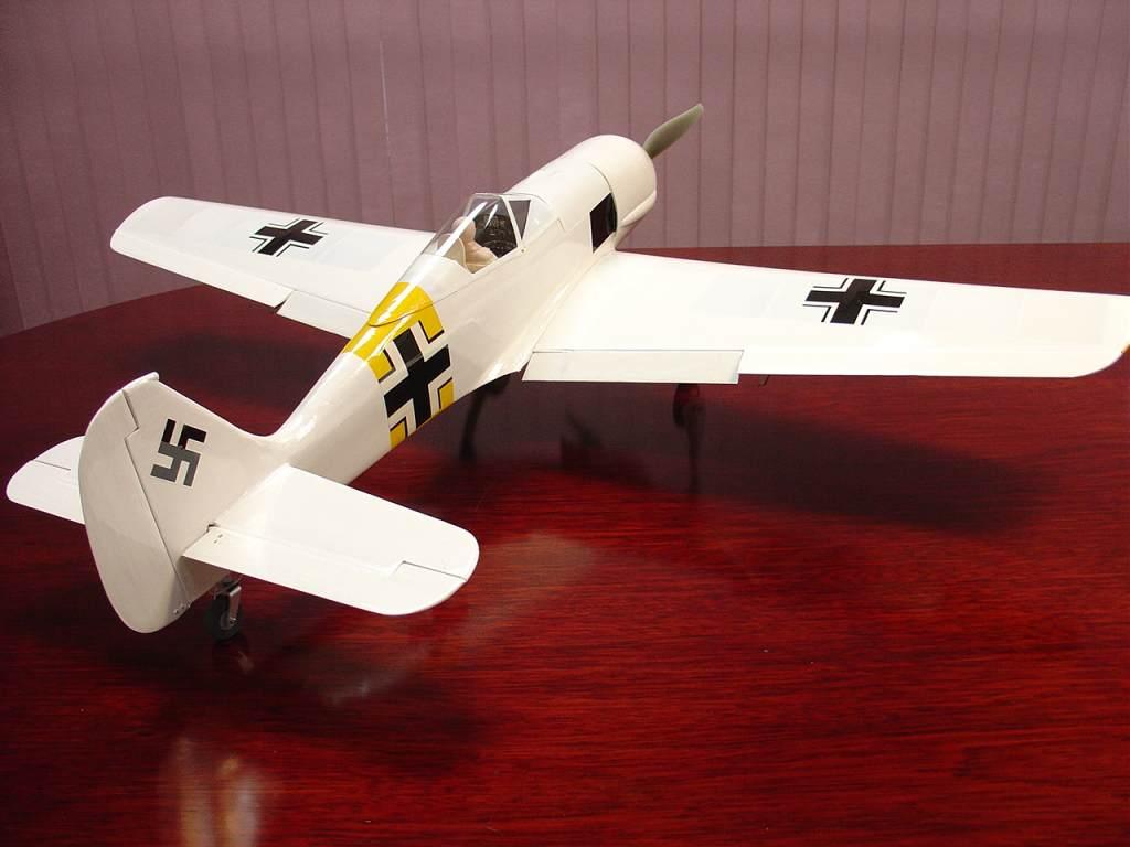 Name: FW-190 rear 3qtr.jpg Views: 495 Size: 57.9 KB Description: