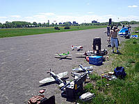 Name: Flightline_1_20150517.jpg Views: 86 Size: 149.5 KB Description: A view at the end of the flight line mid-session. Some people have already left, others will arrive later.