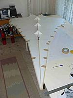 Name: P1030150.jpg Views: 127 Size: 87.4 KB Description: Only 4lb so far and lot of epoxy in between layers.