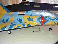 Name: P1050157.jpg Views: 123 Size: 142.8 KB Description: Short and solid landing gear made up with slight AofA.