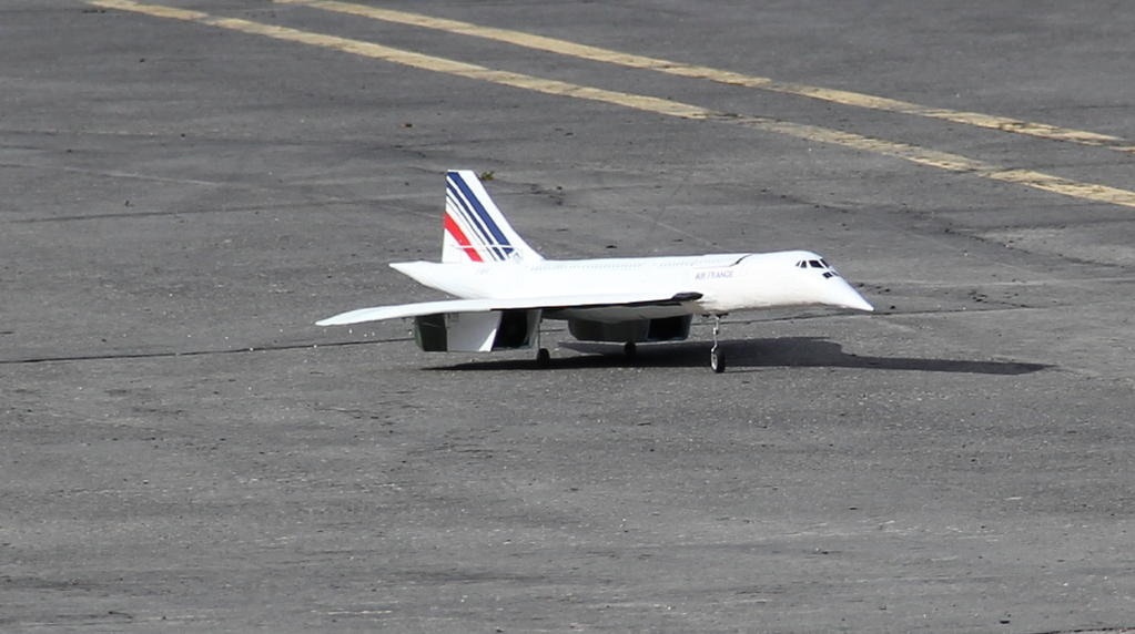 Name: image034.jpg Views: 231 Size: 71.0 KB Description: The taxi run, ready for takeoff