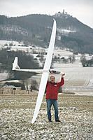 Name: 9449_Ventus2cx_life__13018_zoom.jpg Views: 112 Size: 113.4 KB Description: for size reference. snow /pilot optional.