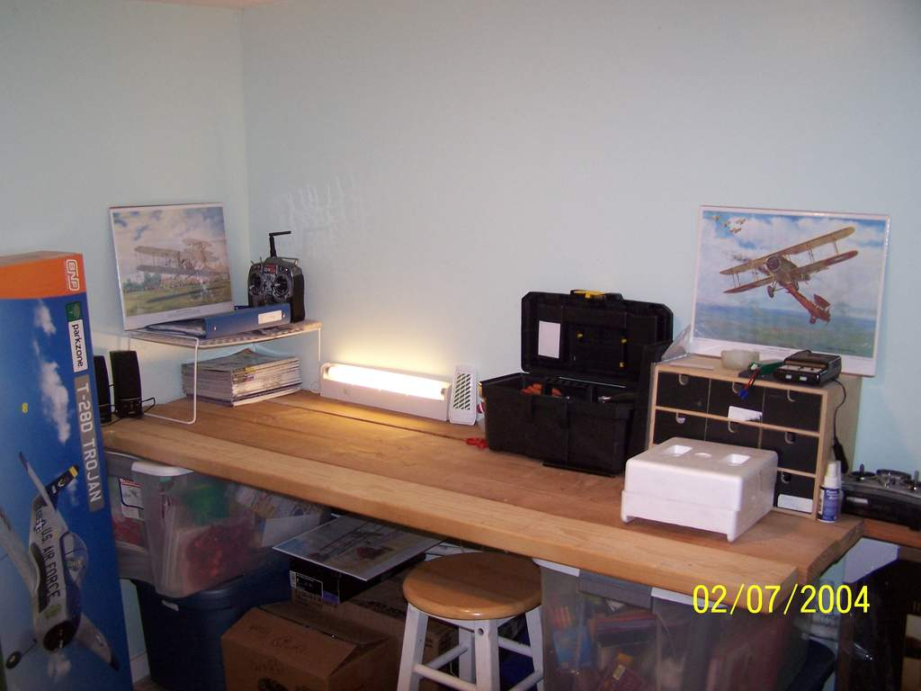 Name: plane room 2.jpg Views: 184 Size: 57.8 KB Description: See the plane pictures?my dad got them at an antique shop