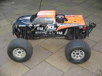 Name: 017.jpg Views: 214 Size: 108.9 KB Description: Hpi Savage XL With Cen 220cc fuel tank.
