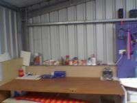 Name: Image025.jpg Views: 221 Size: 30.3 KB Description: the new bench area , tha only took a day to build and then the whole night to reorganize , pardon the blur , iwas shakey from the goop....