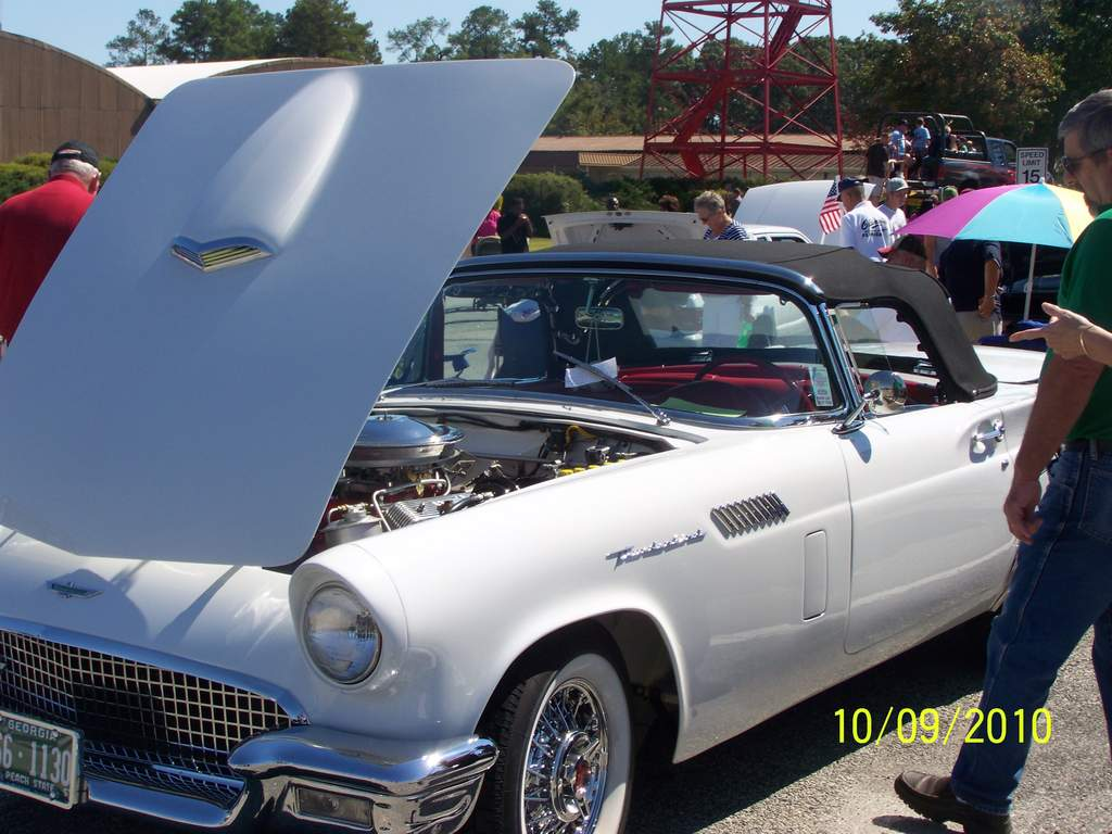 Name: 10-9-10 car show fair and paraide 016.jpg Views: 129 Size: 99.1 KB Description: