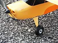 Name: DSC00564.jpg Views: 891 Size: 123.0 KB Description: Close-up of Graupner wheels.