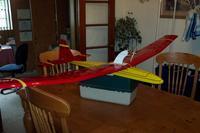 Name: Wiener Dog Plane 007.jpg Views: 129 Size: 63.0 KB Description: My electrified Riser