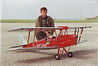 Name: Tiger Moth Canon.jpg Views: 58 Size: 160.5 KB Description: A youthful me in 1997, RAF Scampton.
