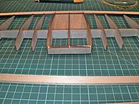 Name: DSCN9516.jpg Views: 113 Size: 110.2 KB Description: Center section of LE glued to the ribs.