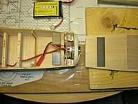 Name: DSCN9728.jpg Views: 117 Size: 113.3 KB Description: I built a magnetic lock for the hatch.
