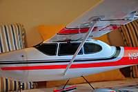 Name: Cessna182_08.jpg Views: 508 Size: 49.2 KB Description: Wing struts under the wing.