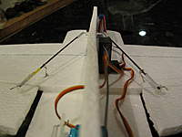 Name: IMG_2021.jpg Views: 330 Size: 51.9 KB Description: View of the two ailerons and their linkages