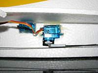 Name: IMG_2012.jpg Views: 267 Size: 64.2 KB Description: rudder servo (center) elevator servo (Left) Antenna is seen below them both