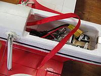 Name: IMG_4602.jpg Views: 79 Size: 199.6 KB Description: Ribbon for easier battery removal