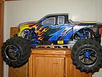 Name: DSC04240.jpg Views: 104 Size: 97.9 KB Description: Rampage Truck 1/5th scale Gas