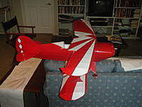 Name: Pitts 021.jpg Views: 150 Size: 79.1 KB Description: Lower wing sunburst complete, top wing in work. Cowling painted and installed.