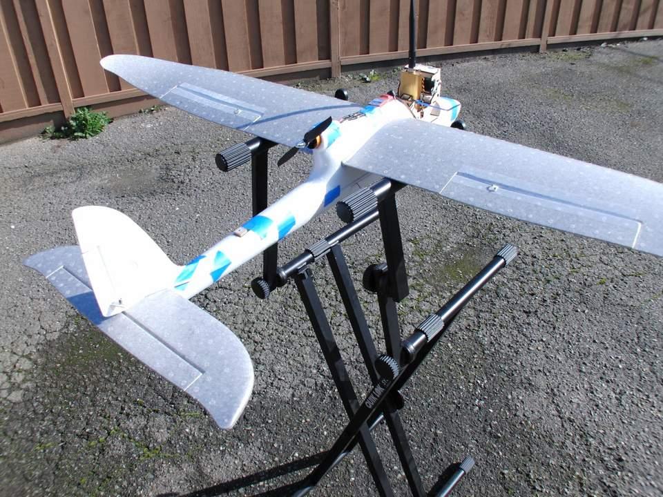Name: CIMG2234.jpg Views: 112 Size: 138.4 KB Description: Concerned the wings need reinforcement past the main spar.