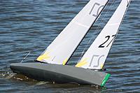 Name: Shiraz%20Ian%206.jpg Views: 217 Size: 112.7 KB Description: Sailing in Perth, Australia 2013