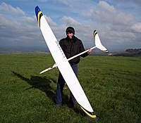 Name: 100_1062a.jpg Views: 193 Size: 39.1 KB Description: My triple-carbon Extreme DS built for me by Tony Fu!  Flew awesome in good wind.
