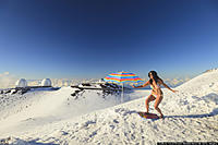 Name: o-SNOW-MAUNA-KEA-900.jpg Views: 74 Size: 117.7 KB Description: Snow hammers Hawaii!