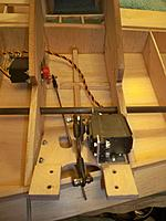 Name: flaps 004.jpg Views: 127 Size: 101.8 KB Description: Then I hooked up the HS-5645MG servo w/ new custom mounting bracket.