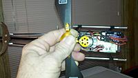 Name: 2011-04-27_21-40-17_267.jpg Views: 133 Size: 101.6 KB Description: Sideways-grip for checking the CG