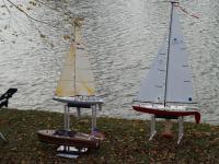 Name: 12-2-07 Sail (47)crop.jpg Views: 412 Size: 99.9 KB Description: Capt. Terry's toys.