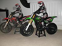 Name: race team 001.jpg Views: 59 Size: 219.4 KB Description: