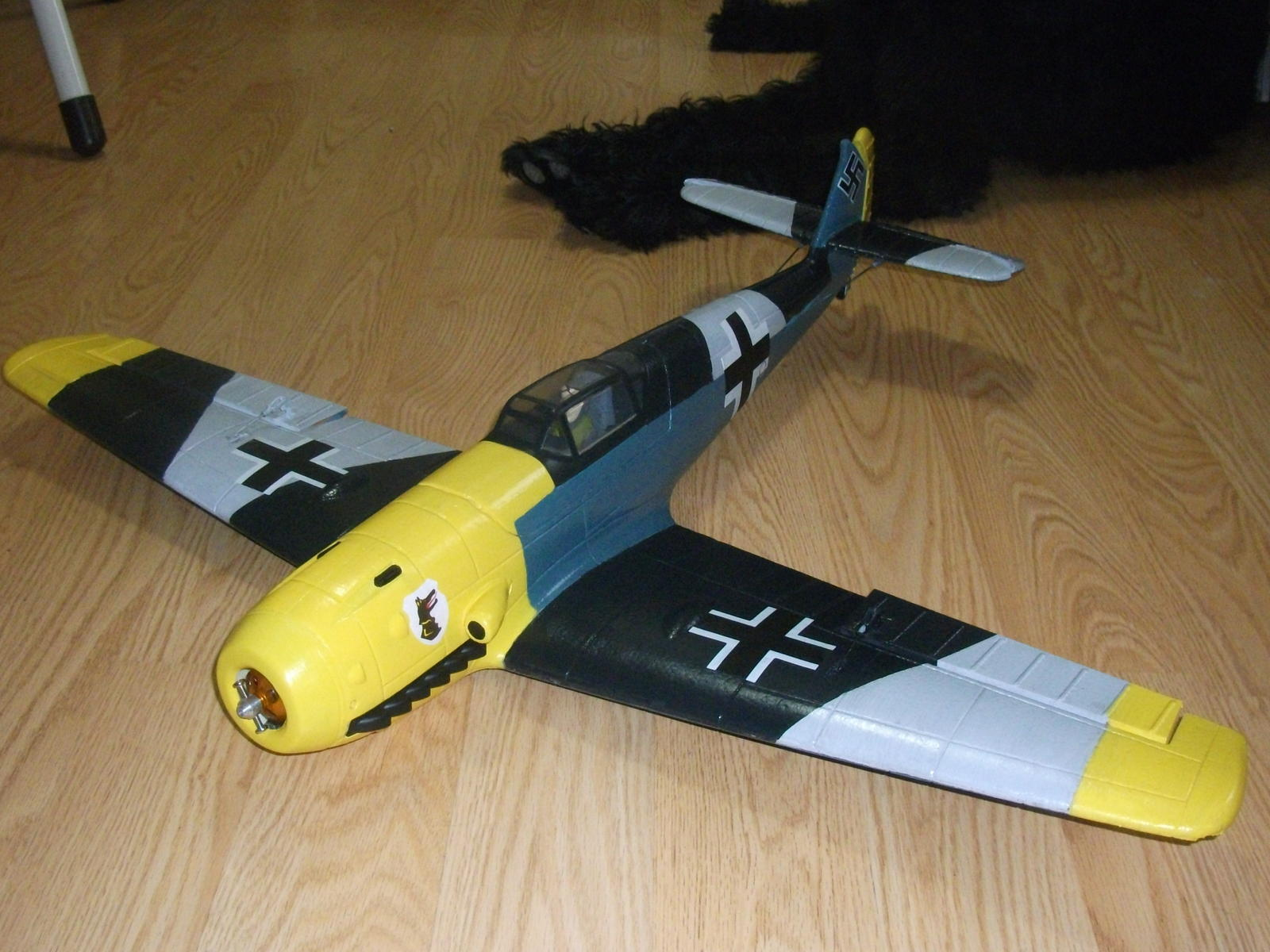 Name: BF109 012.jpg Views: 184 Size: 204.3 KB Description: Cowl isn't glued and spinner not on. Also 2200kv motor needs to be swapped out for 1420kv