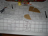 Name: DSC02033.jpg Views: 127 Size: 145.6 KB Description: The plan and templates made of MDF for binding strips.