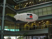 Name: DSC02834.jpg Views: 83 Size: 105.4 KB Description: People would just look out their office windows to see the Blimp... first time for them inside working area...