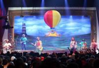 "Name: Falamansa - 421e.jpg Views: 703 Size: 70.9 KB Description: The audience realy enjoyed the balloon ""ForAll""..."