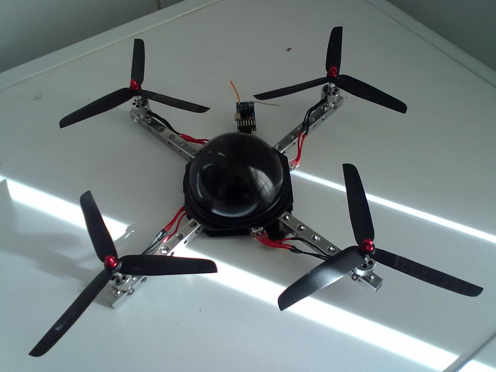 Name: 301020111170.jpg Views: 147 Size: 121.6 KB Description: larger props and new dome....