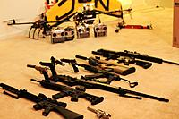 Name: plane&gun.jpg