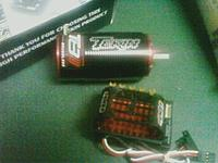 Name: downsize (5).jpg Views: 59 Size: 64.0 KB Description: the motor and esc inside the Losi 8ight-T 2.0