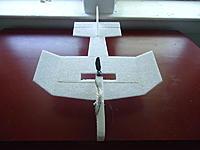 Name: DSC00820_1.jpg Views: 200 Size: 53.2 KB Description: Bamboo skewer for wing spar.
