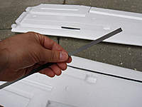 Name: skywalker_004.jpg Views: 1097 Size: 96.2 KB Description: 8x1mm CF strip cut to length (500mm).